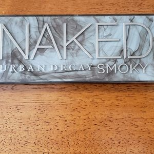 ALL NEW! Urban Decay Naked Smoky Eyeshadow Palette